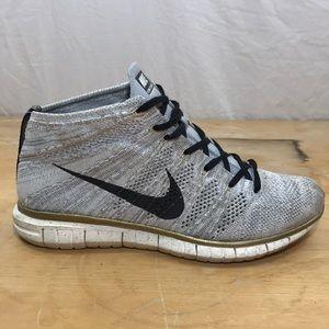 Nike Men's Flyknit Chukka Sneaker Gray/White